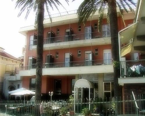 borgioverezzi-hotelvilla