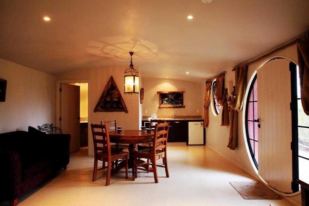 hobbit-hotel-nuova-zelanda-salotto