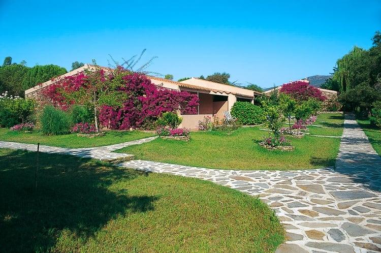 giardini_Villaggio_Li_Cupulatti_Agrustos_Eden_Village_Soggiorni_da_Domenica_a_Domenica_z_