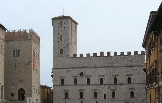 todi-palazzo-dei-priori