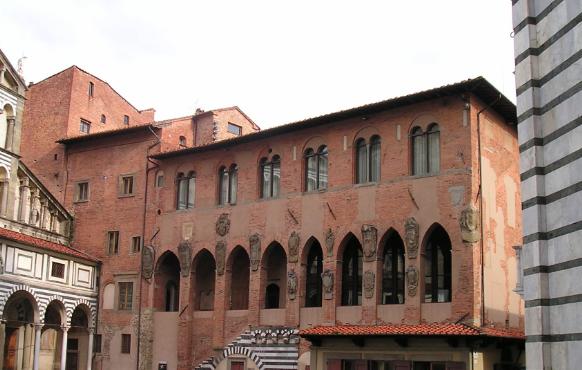 pistoia-palazzo-dei-vescovi