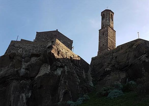 castelasardo-chiesa-e-campanile
