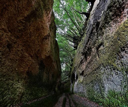 pitigliano-vie-cave