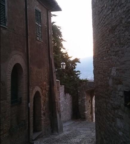 montefalco-stradine-centro-storico