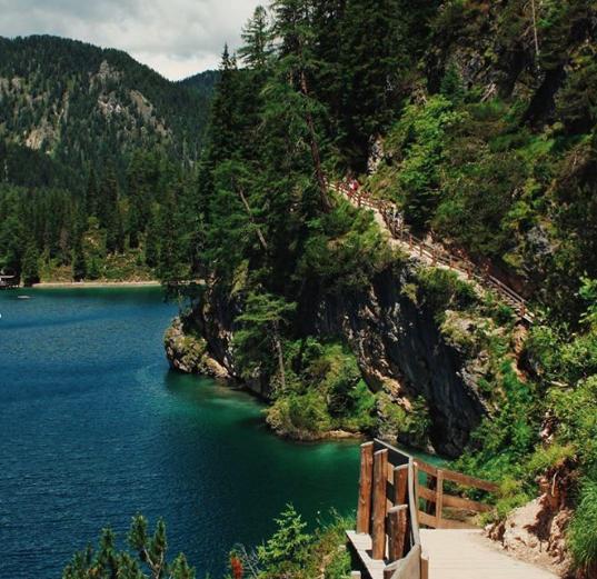 lago-di-braies-tour-piedi