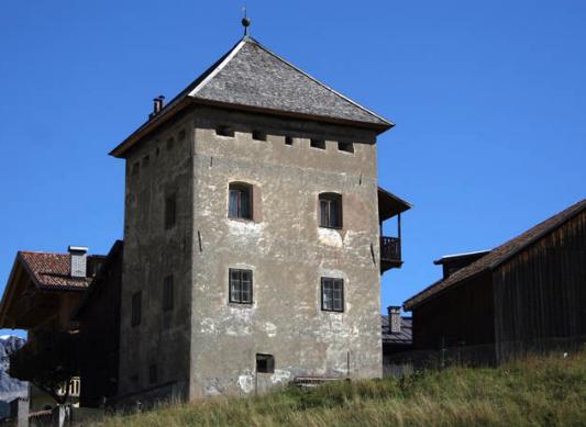 pozza-di-fassa-torre