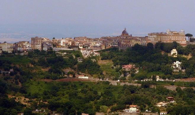 Galleria foto - Visitare Castel Gandolfo: Cosa vedere, come arrivare e Lago di Albano Foto 7