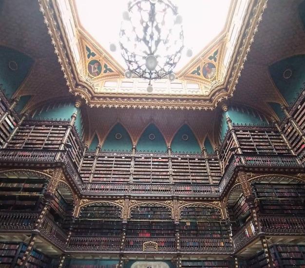 Galleria foto - Le 10 biblioteche più belle del mondo dove arte, cultura e design si fondono in un unico progetto Foto 2