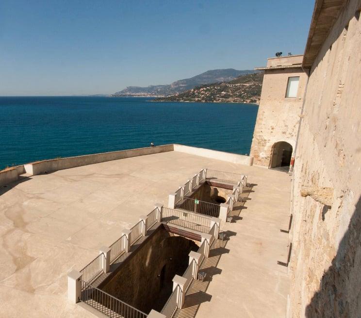 Galleria foto - Le 7 cose da vedere a Ventimiglia la città balneare medievale della Riviera Ligure di Ponente Foto 4