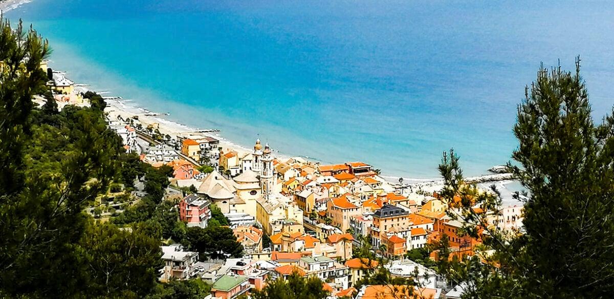 Le 6 località balneari più belle della Liguria dove andare in vacanza spendendo poco