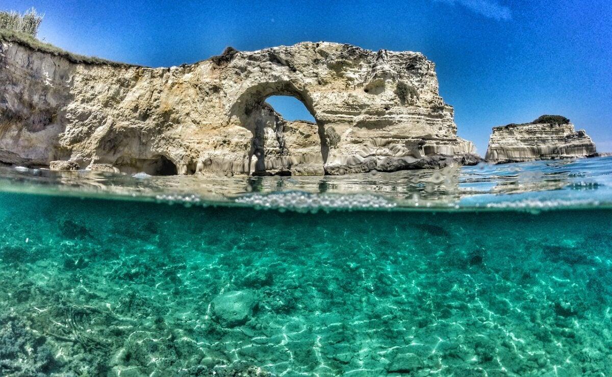 Vacanze relax a Torre Suda: cosa vedere e spiagge di una delle mete più belle del Salento