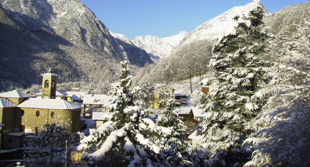 """Vacanze relax ad Ala di Stura: cosa fare e dove sciare nel """"Paese delle Meridiane e degli Affreschi"""""""